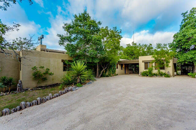 Single Family for Sale at 310 Byas Springs Rd W Mountain Home, Texas 78058 United States