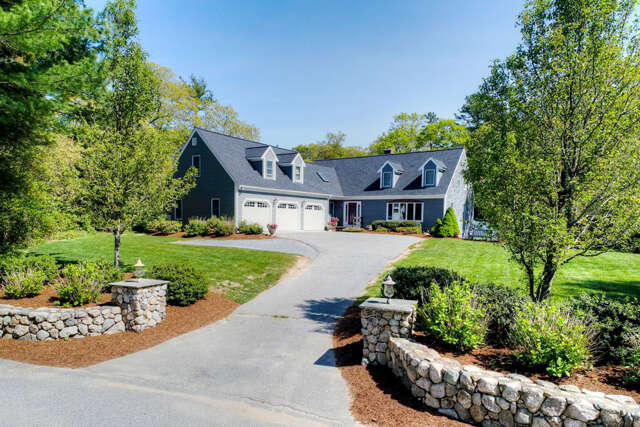 Single Family for Sale at 5 Pioneer Path West Barnstable, Massachusetts 02668 United States