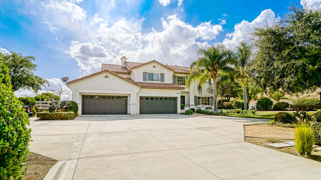 Single Family for Sale at 30459 Cartagena Place Castaic, California 91384 United States