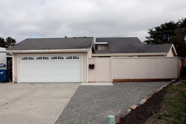 Single Family for Sale at 1270 Loryn Ln Half Moon Bay, California 94019 United States