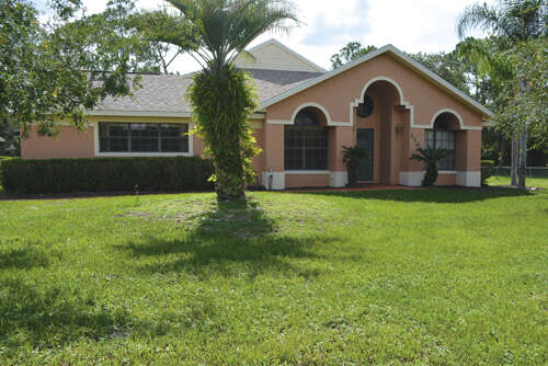 Single Family for Sale at 1166 S Goodman Road Davenport, Florida 33896 United States