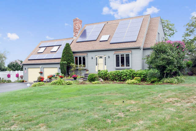 Single Family for Sale at 11 Foretop Road Bourne, Massachusetts 02532 United States