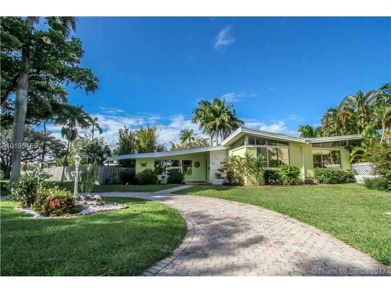Single Family for Sale at 1323 Pierce St Hollywood, Florida 33019 United States