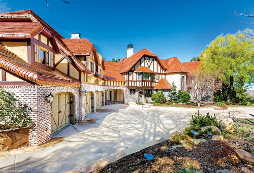 Single Family for Sale at 1484 Canterbury Court Lake Arrowhead, California 92352 United States