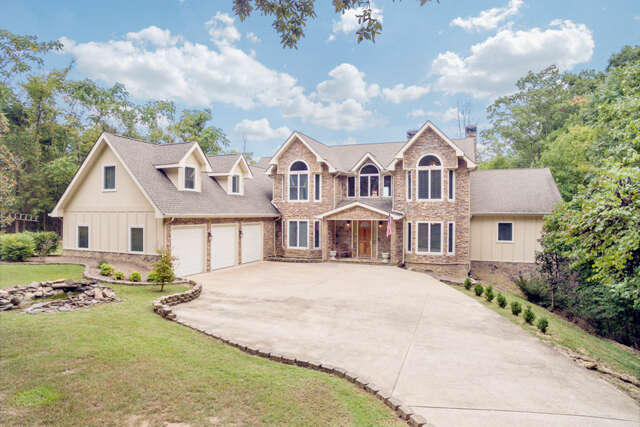 Single Family for Sale at 3618 Lee Pike Soddy Daisy, Tennessee 37379 United States