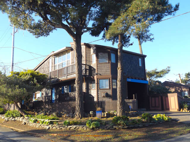 Single Family for Sale at 598 Lancaster Street Cambria, California 93428 United States