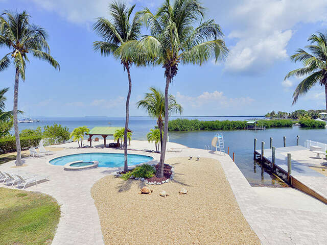 Single Family for Sale at 300 Buttonwood Shores Drive Key Largo, Florida 33037 United States