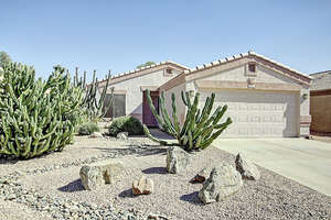 Featured Property in Apache Junction, AZ 85120