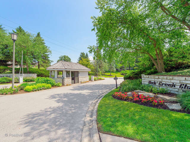 Single Family for Sale at 7 Bel Aire Court Burr Ridge, Illinois 60527 United States