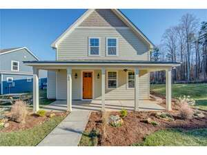 Featured Property in Cramerton, NC 28032