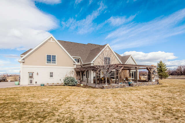 Single Family for Sale at 8528 Cottonwood Rd. Bozeman, Montana 59715 United States