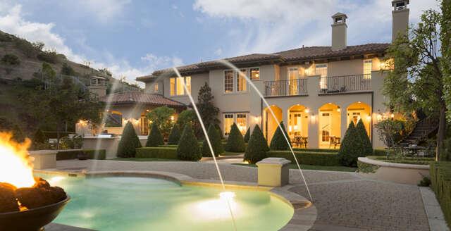 Single Family for Sale at 25400 Prado De Las Fresas Calabasas, California 91302 United States