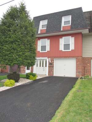 Single Family Home for Sale, ListingId:38636025, location: 155 Meadowcreek Dr S Chambersburg 17202