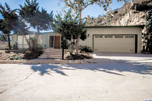 Single Family for Sale at 765 Luring Dr Glendale, California 91206 United States