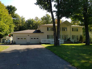 Featured Property in L Ange Gardien, QC J8L 0H8