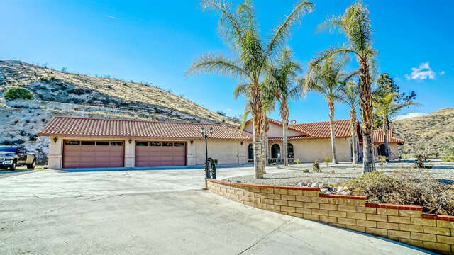 Single Family for Sale at 10002 Soledad Canyon Road Agua Dulce, California 91390 United States