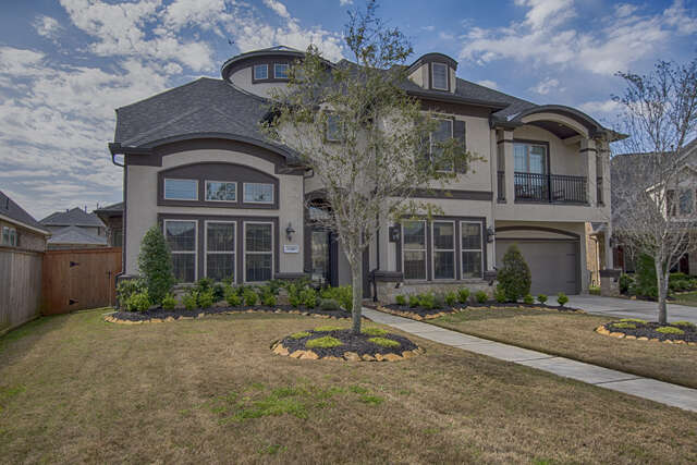 Single Family for Sale at 13410 Travis Heights Houston, Texas 77059 United States