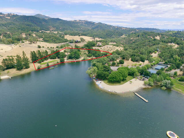 Single Family for Sale at 23537 Vineyard Road Geyserville, California 95441 United States