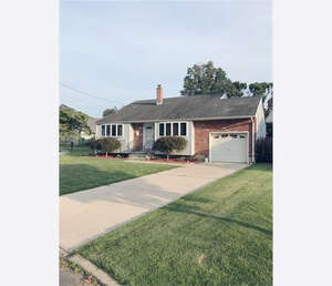 Featured Property in Hightstown, NJ 08520