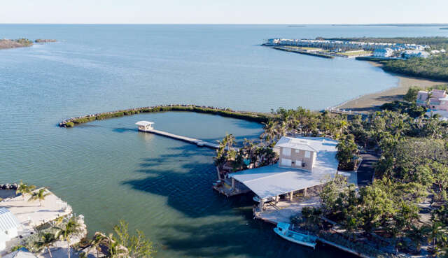 Single Family for Sale at 11280 6th Avenue Gulf Marathon, Florida 33050 United States