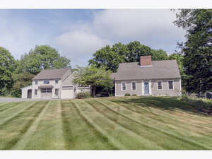 Featured Property in Hampstead, NH 03841