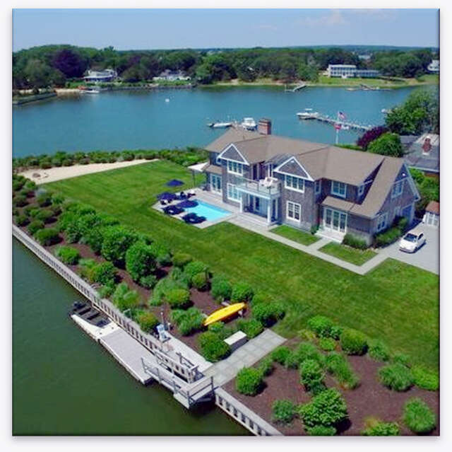 Single Family for Sale at 11 Mill Pond Rd Hampton Bays, New York 11946 United States