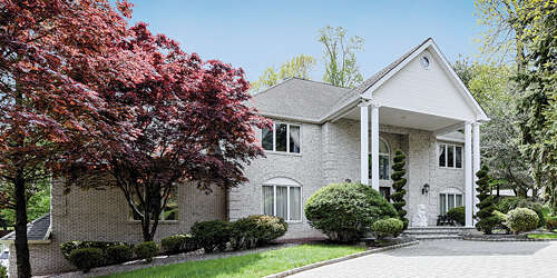 Single Family for Sale at 3 Kimball Turn Holmdel, New Jersey 07733 United States