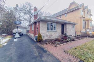 Featured Property in Richmond Hill, ON L4C 2L7