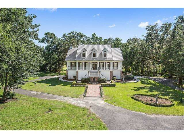 Single Family for Sale at 4 Merlin Lane Marrero, Louisiana 70072 United States