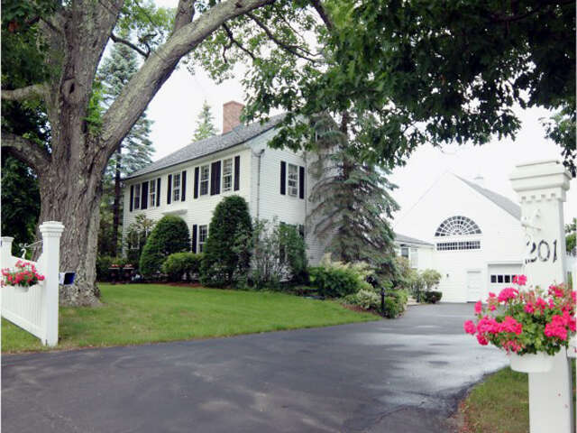 Single Family for Sale at 201 N Main Street Wolfeboro, New Hampshire 03894 United States