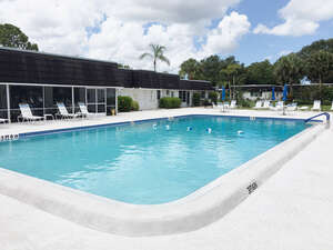 Featured Property in Sarasota, FL 34232