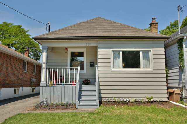 Real Estate for Sale, ListingId:45656391, location: 289 Fairfield Ave Hamilton L8H 5H5