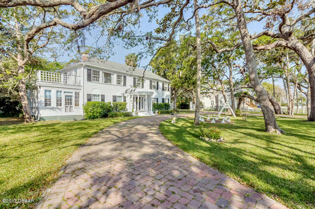 Single Family for Sale at 458 S Beach Street Ormond Beach, Florida 32174 United States