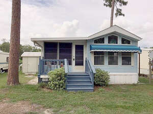 Featured Property in Wildwood, FL 34785