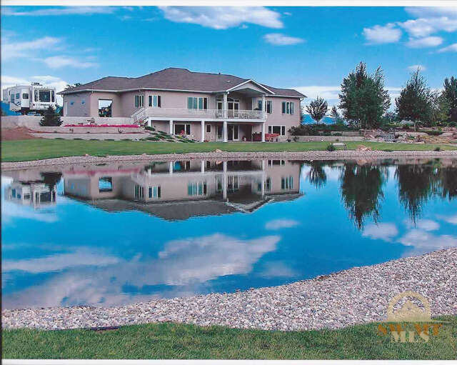 Single Family for Sale at 1495 W Cameron Bridge Bozeman, Montana 59718 United States