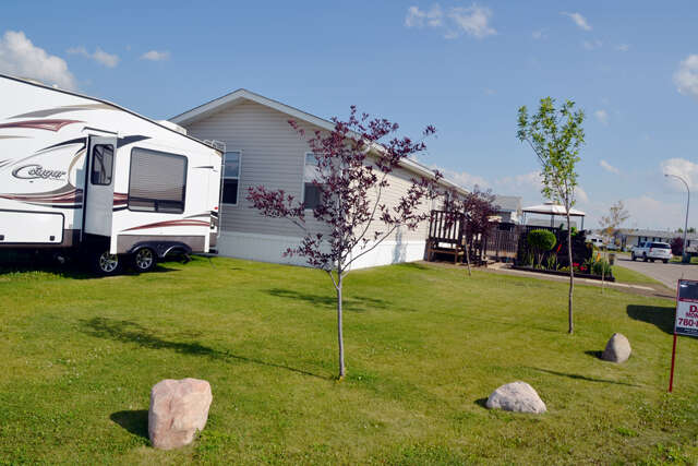 single family home for sale at clairmont ab