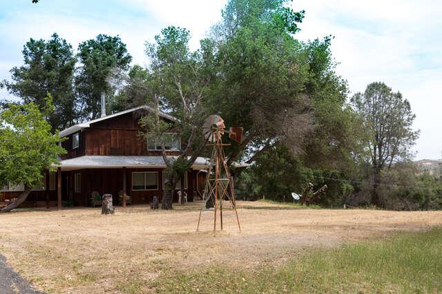 Single Family for Sale at 9925 Huer Huero Road Creston, California 93432 United States