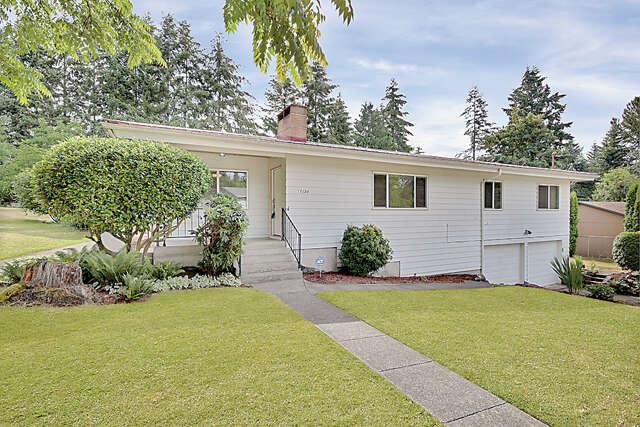 Single Family for Sale at 17254 117th Ave SE Renton, Washington 98058 United States