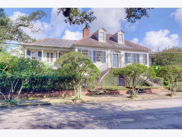 Single Family for Sale at 2607 Coliuseum St New Orleans, Louisiana 70130 United States