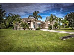 Featured Property in Bradenton, FL 34202
