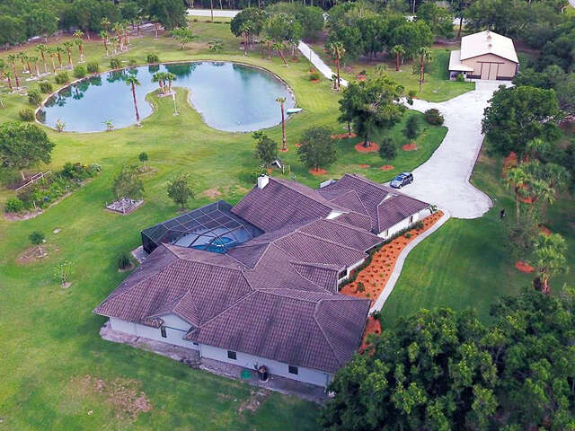 Single Family for Sale at 850 66th Avenue Vero Beach, Florida 32966 United States