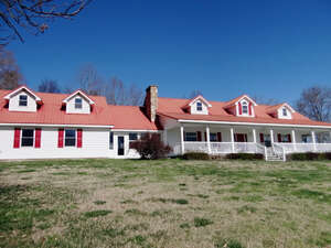 Featured Property in Bybee, TN 37713