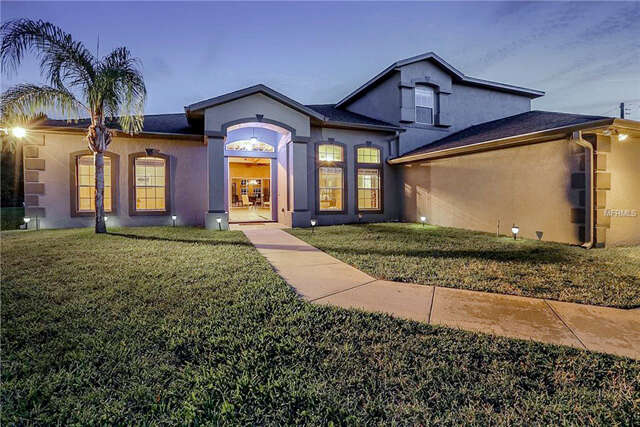 Single Family for Sale at 19326 Oakleaf Street Orlando, Florida 32833 United States