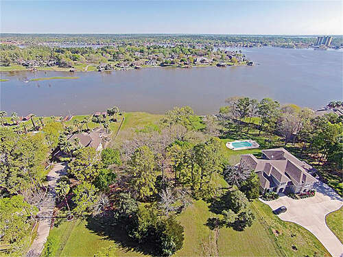 Investment for Sale at 18712 Palm Beach Conroe, Texas 77356 United States
