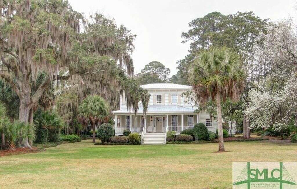 Single Family for Sale at 717 Dancy Avenue Savannah, Georgia 31419 United States