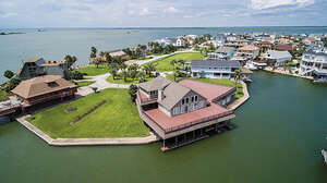 Real Estate for Sale, ListingId: 40696314, Tiki Island, TX  77554