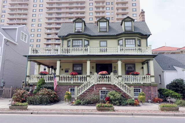 Single Family for Sale at 102 S Marion Ave Ventnor, New Jersey 08406 United States