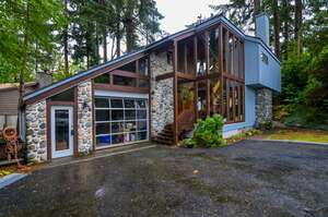 Featured Property in Campbell River, BC V9W 4P4