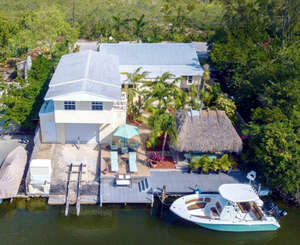 Featured Property in Plantation Key, FL 33036