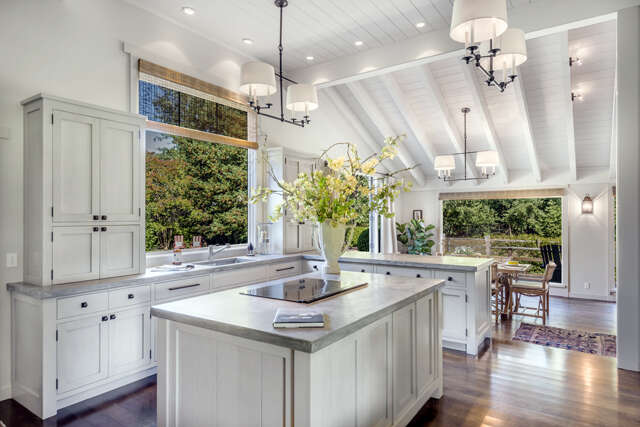 Single Family for Sale at 15250 Chalk Hill Road Healdsburg, California 95448 United States